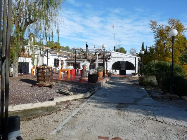 4 bedroom Commercial for sale in Rugat with garage - € 375,000 (Ref: 5332147)