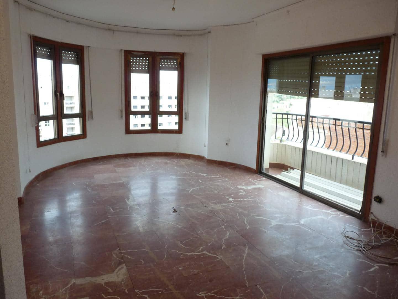 5 Zimmer Apartment zu verkaufen in Oliva - 145.000 € (Ref: 5437847)