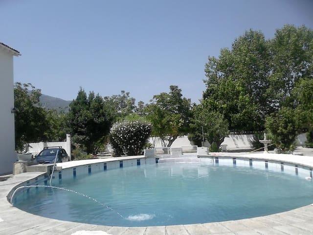 11 bedroom Villa for sale in Agres with garage - € 375,000 (Ref: 5456124)