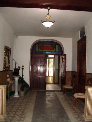 5 bedroom Villa for sale in L'Olleria - € 70,000 (Ref: 5551980)