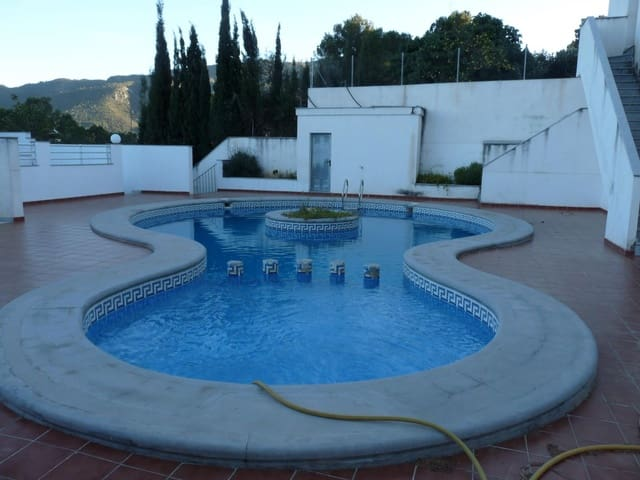 4 bedroom Terraced Villa for sale in Villalonga with pool - € 120,000 (Ref: 5621514)