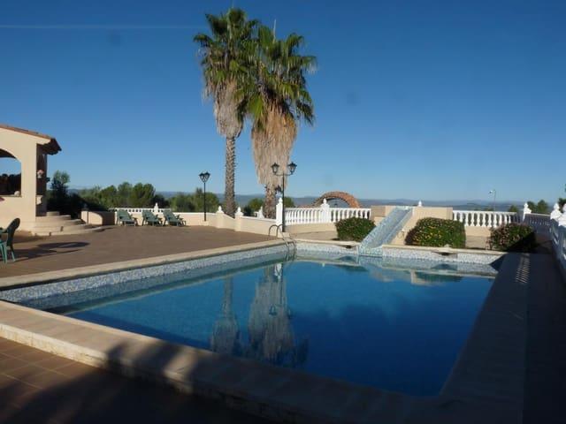 7 Zimmer Villa zu verkaufen in Salem mit Pool Garage - 285.000 € (Ref: 5642898)