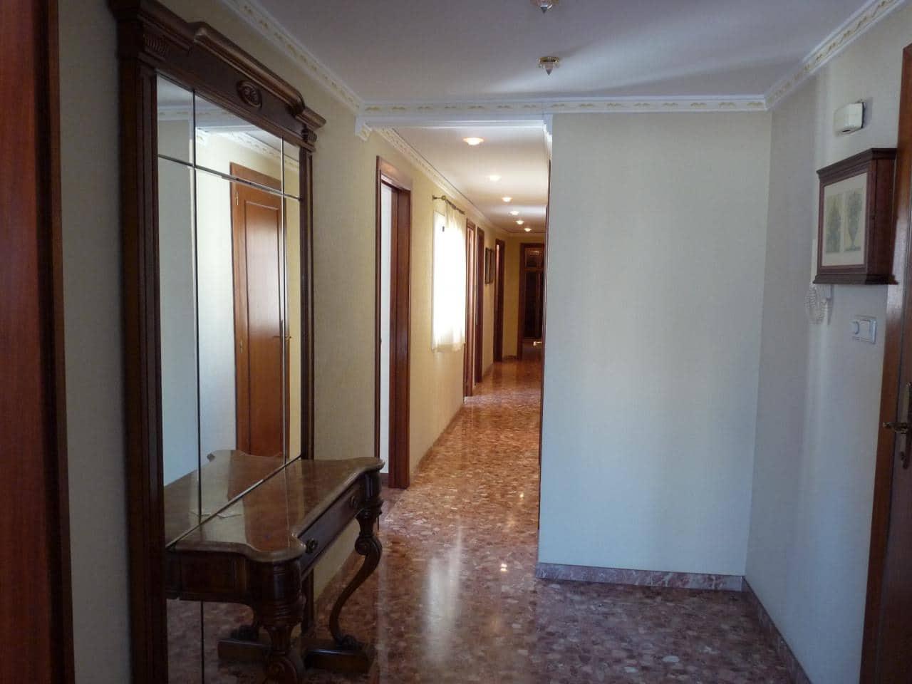 4 sovrum Lägenhet till salu i Oliva med garage - 90 000 € (Ref: 5765198)
