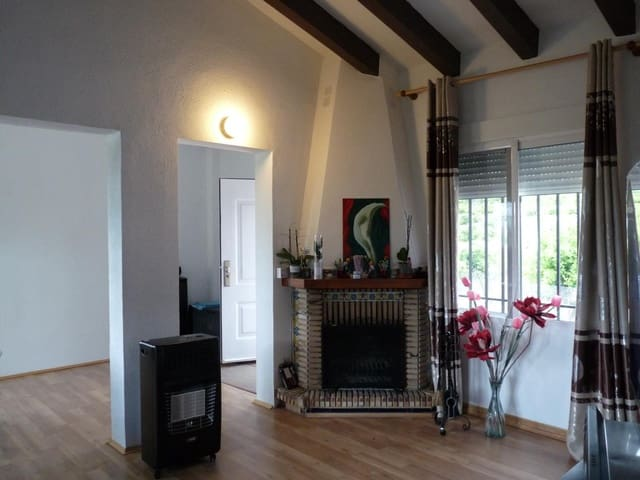 Chalet de 3 habitaciones en Llaurí en venta - 146.000 € (Ref: 5803032)