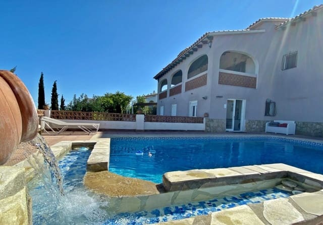 7 quarto Moradia para venda em Oliva com piscina garagem - 398 000 € (Ref: 5838003)