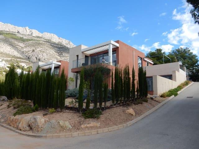 3 bedroom Villa for holiday rental in Altea la Vella with pool - € 500 (Ref: 5082979)