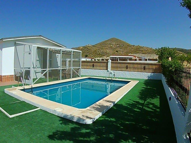 Bungalow de 3 habitaciones en Oria en venta con piscina - 82.000 € (Ref: 4304591)