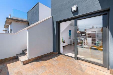Apartamento de 2 habitaciones en Pilar de la Horadada en venta con piscina - 139.900 € (Ref: 4432393)