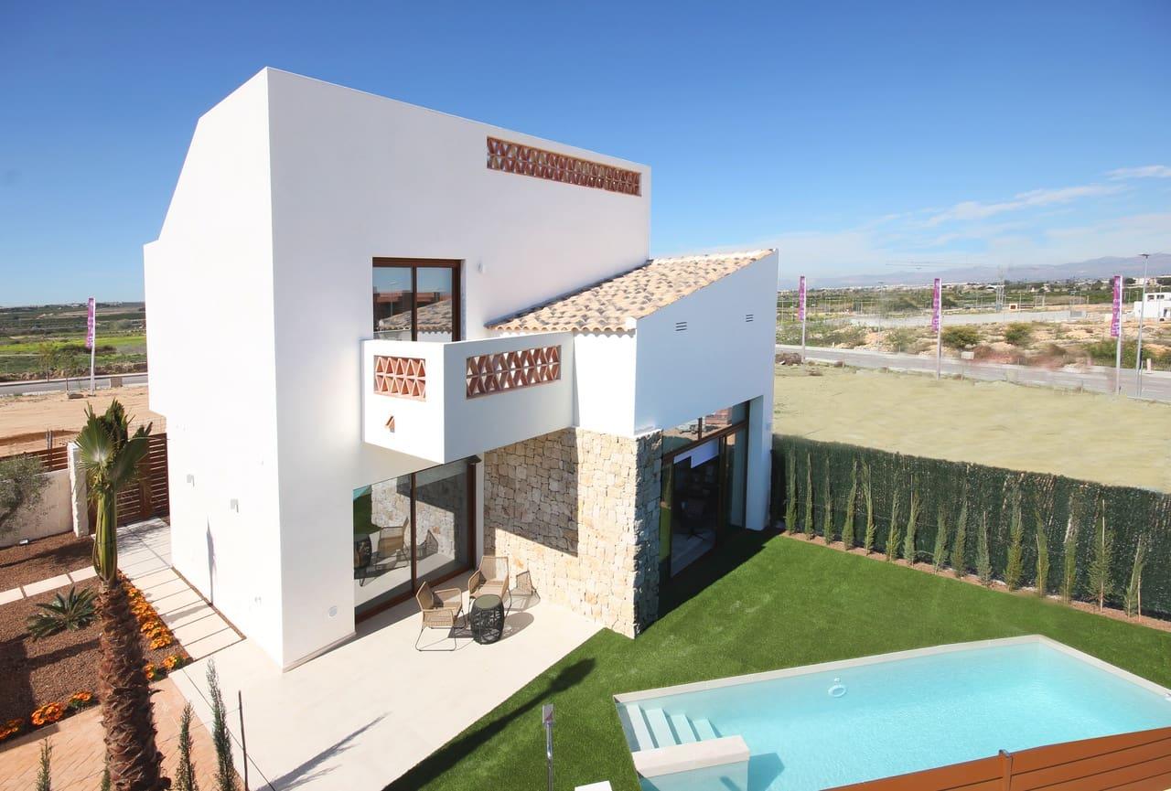 Chalet de 3 habitaciones en Benijófar en venta con piscina - 249.900 € (Ref: 4432418)