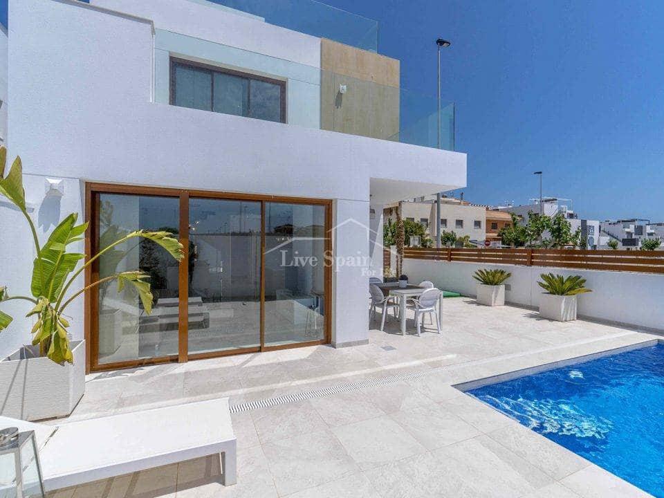 Chalet de 3 habitaciones en Pilar de la Horadada en venta - 439.500 € (Ref: 4947793)