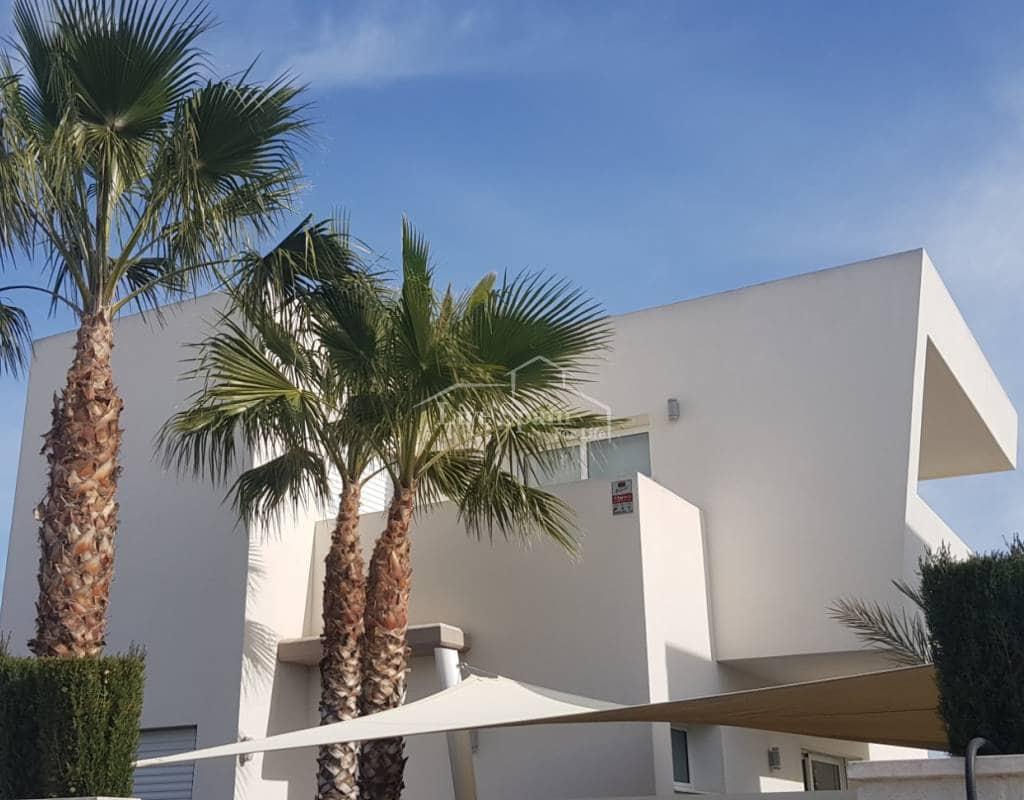 Chalet de 2 habitaciones en Benijófar en venta con piscina - 196.900 € (Ref: 5067276)