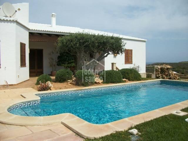 3 soverom Villa til salgs i Ciutadella de Menorca med svømmebasseng garasje - € 795 000 (Ref: 1999635)
