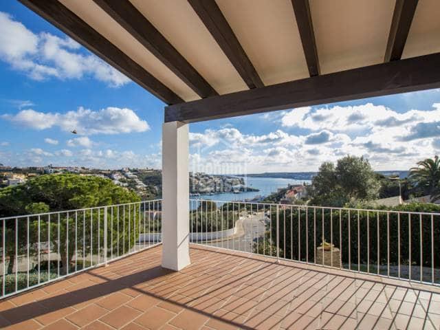 4 soverom Villa til salgs i Mahon / Mao med svømmebasseng garasje - € 750 000 (Ref: 2255823)