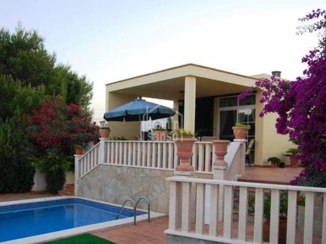 4 soverom Villa til salgs i Es Castell med svømmebasseng garasje - € 450 000 (Ref: 734406)