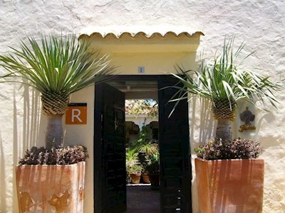 2 bedroom Commercial for sale in La Ampuyenta with pool garage - € 450,000 (Ref: 3512182)