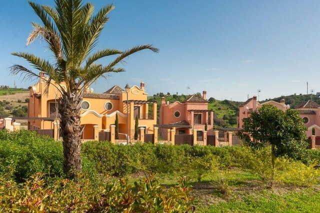 3 sovrum Radhus till salu i Estepona med pool - 462 375 € (Ref: 4026081)