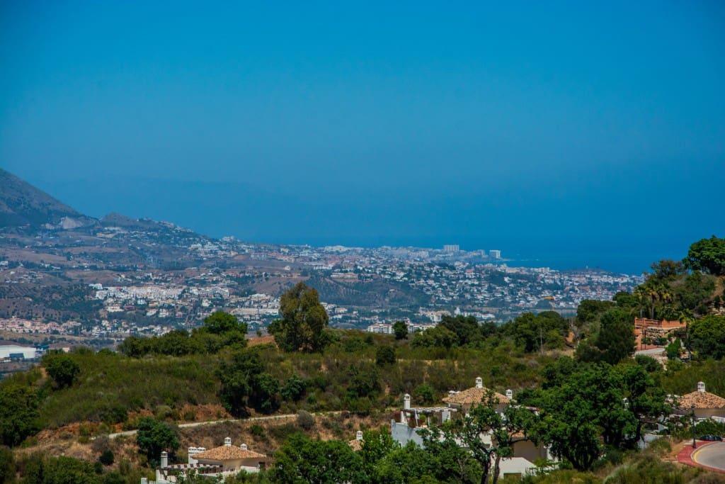 Terreno Não Urbanizado para venda em Marbella del Este - 392 960 € (Ref: 5887157)