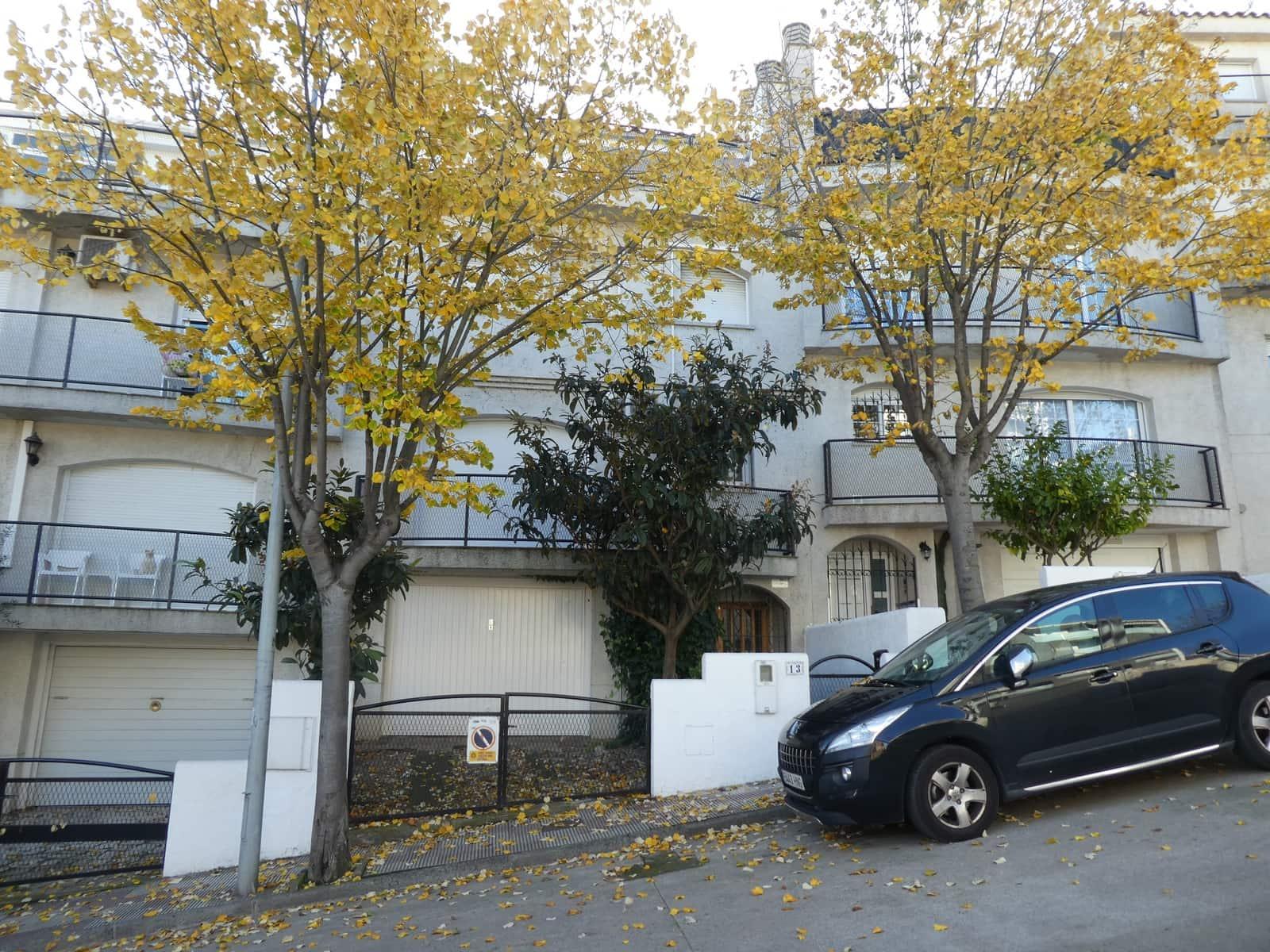4 camera da letto Casa in vendita in Blanes con piscina - 245.000 € (Rif: 2502228)