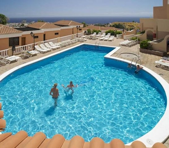 1 bedroom Apartment for sale in San Eugenio with pool - € 140,000 (Ref: 2273527)