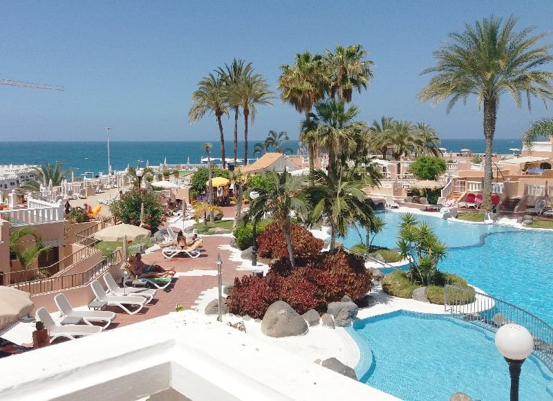 Studio for sale in Playa Fanabe with pool - € 199,950 (Ref: 4955848)