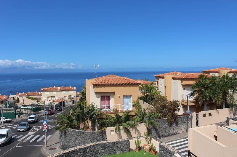 5 bedroom Villa for sale in Puerto Santiago with pool - € 635,000 (Ref: 6024582)