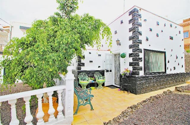 2 bedroom Townhouse for sale in Cabo Blanco with pool - € 225,000 (Ref: 6264326)