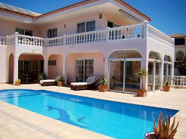 4 soverom Villa til salgs i Callao Salvaje med svømmebasseng - € 795 000 (Ref: 641941)