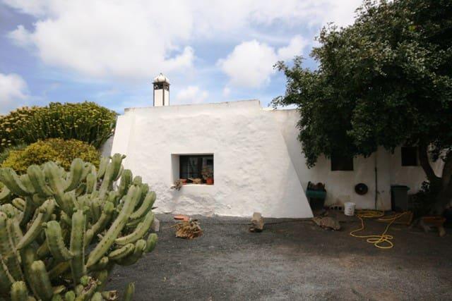 Finca/Casa Rural de 5 habitaciones en Máguez en venta - 260.000 € (Ref: 3940908)