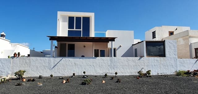 3 slaapkamer Appartement te koop in La Santa - € 400.000 (Ref: 5712081)