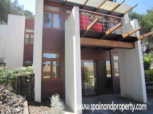 5 chambre Villa/Maison à vendre à Chiva - 725 000 € (Ref: 1966974)