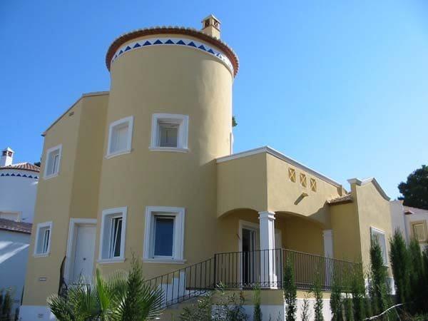3 bedroom Villa for sale in Pedreguer with pool garage - € 195,000 (Ref: 4286087)