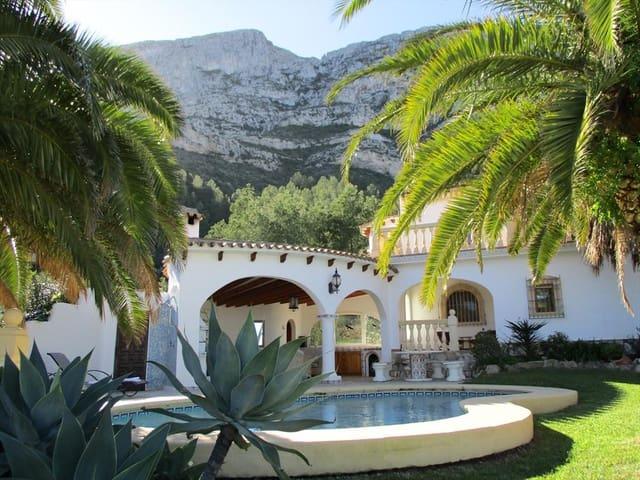 Chalet de 4 habitaciones en Dénia en alquiler vacacional con piscina garaje - 460 € (Ref: 3712550)