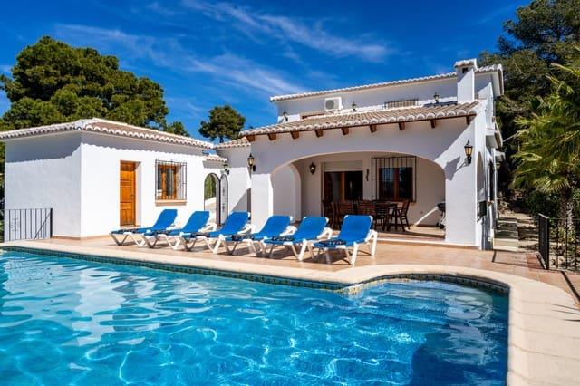 3 slaapkamer Villa voor vakantieverhuur in Javea / Xabia met zwembad garage - € 475 (Ref: 3712973)