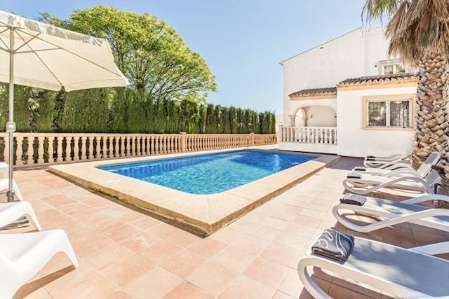 3 Zimmer Ferienfinca/landgut in Javea / Xabia mit Pool Garage - 261 € (Ref: 3777701)