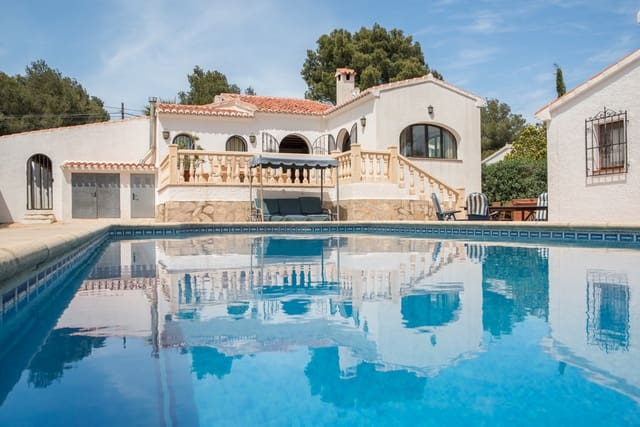 4 bedroom Villa for holiday rental in Javea / Xabia with pool garage - € 632 (Ref: 3799234)