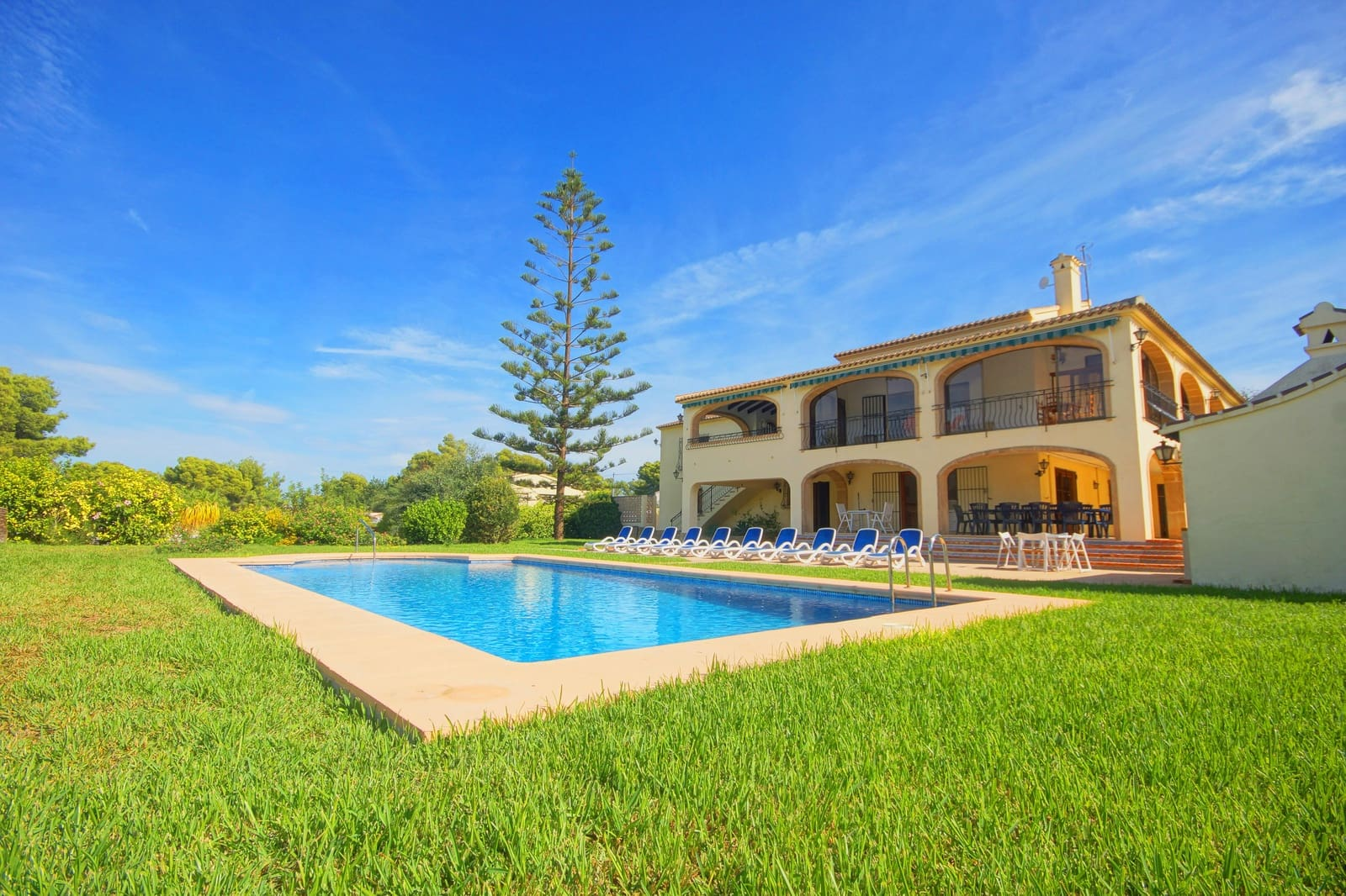 6 bedroom Villa for holiday rental in Adsubia with pool garage - € 1,077 (Ref: 4836018)