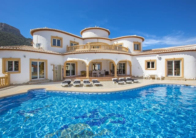 5 bedroom Villa for holiday rental in Calpe / Calp with pool garage - € 1,021 (Ref: 4881637)