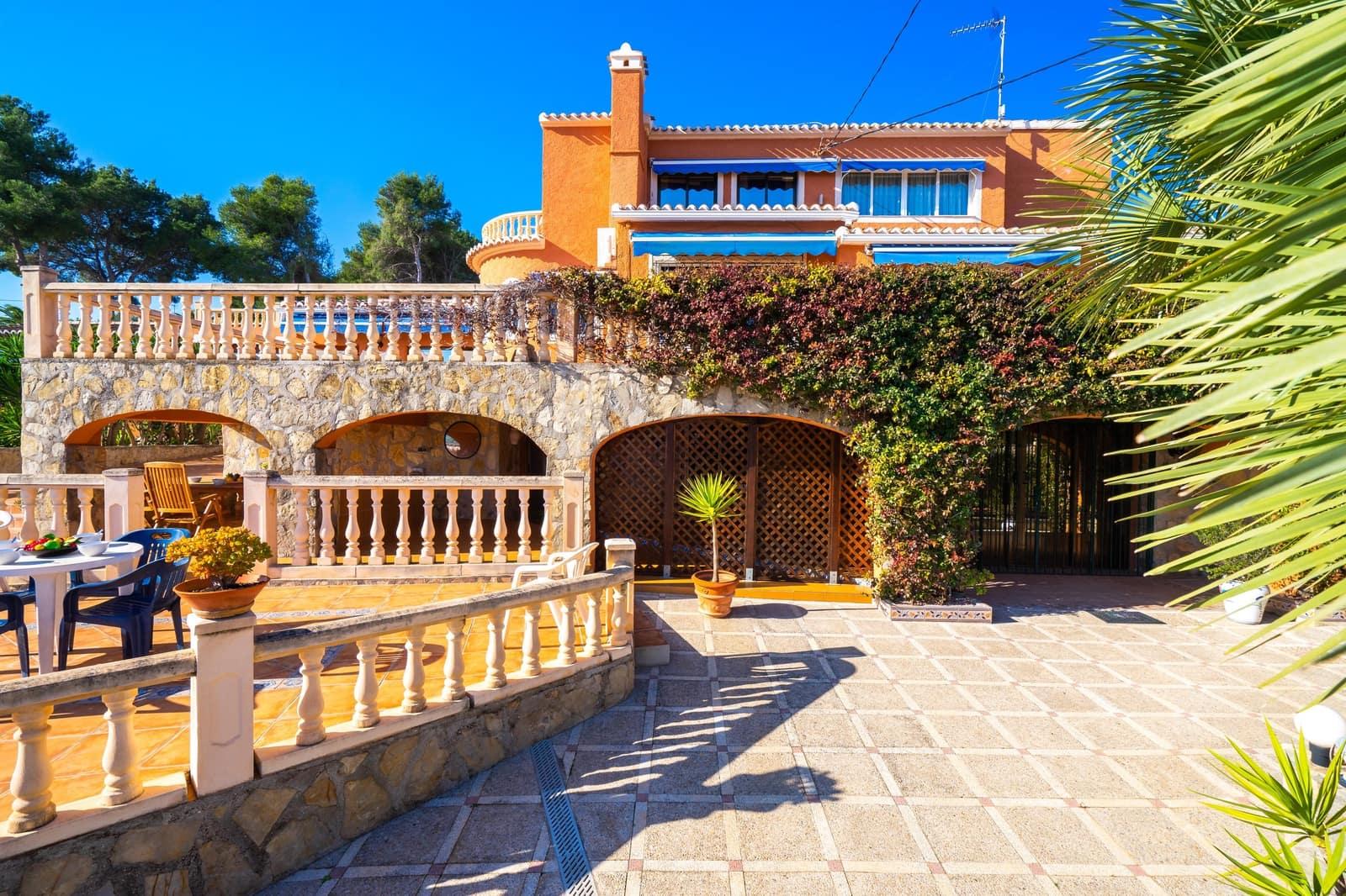 6 Zimmer Ferienvilla in Adsubia mit Pool Garage - 700 € (Ref: 5075352)