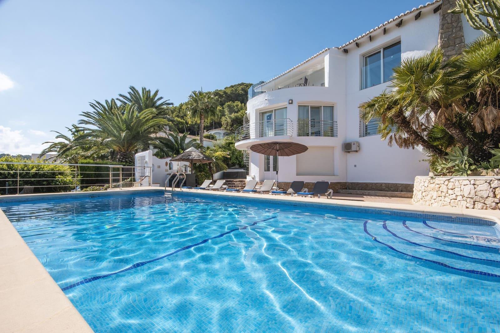 4 sypialnia Willa na kwatery wakacyjne w Mar Azul z basenem garażem - 973 € (Ref: 5382552)