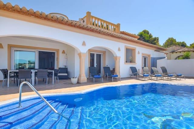 4 soverom Villa til salgs i Montemar med svømmebasseng garasje - € 766 (Ref: 5402908)