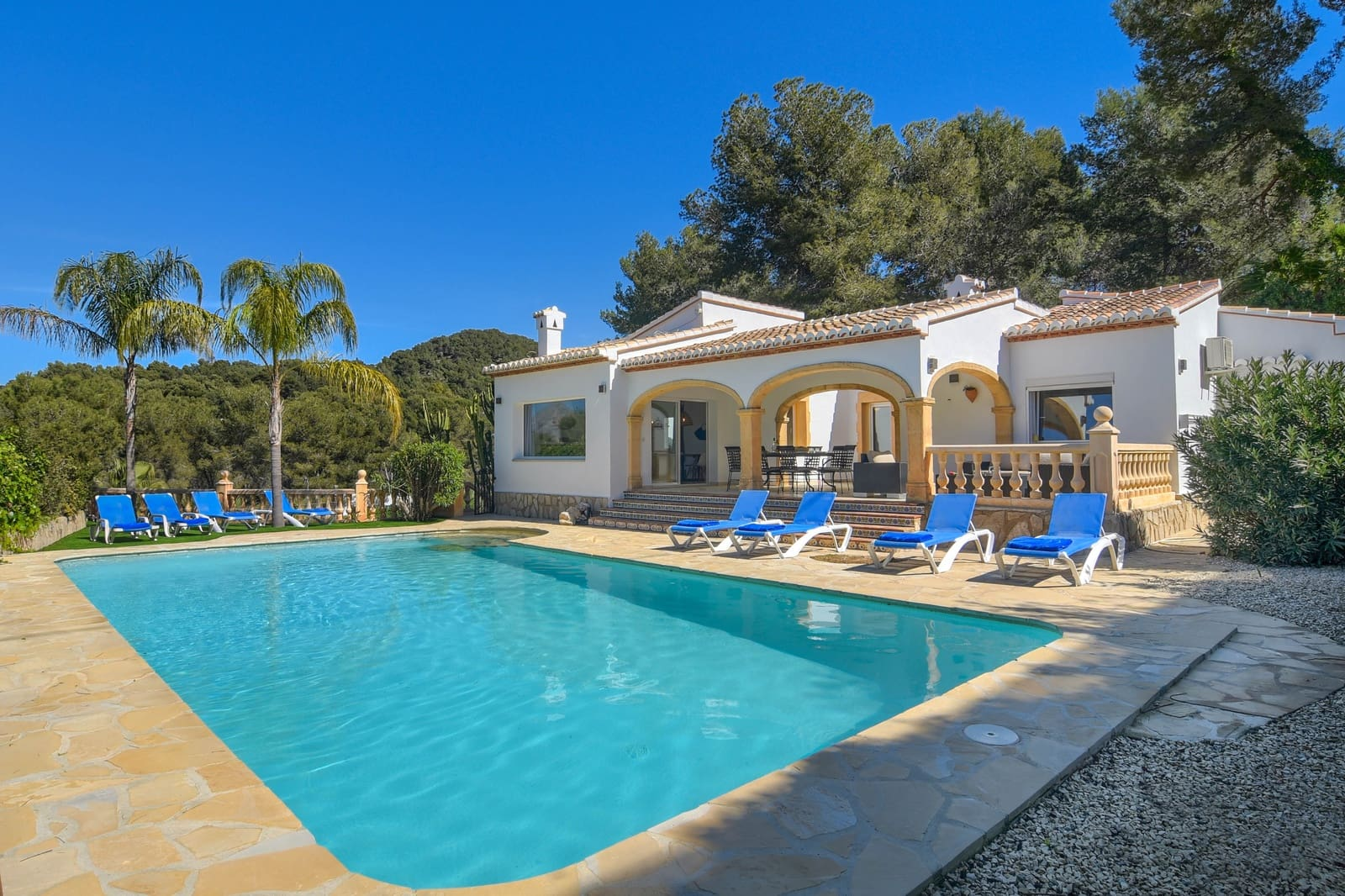 4 bedroom Villa for holiday rental in Javea / Xabia with pool garage - € 1,254 (Ref: 5988687)