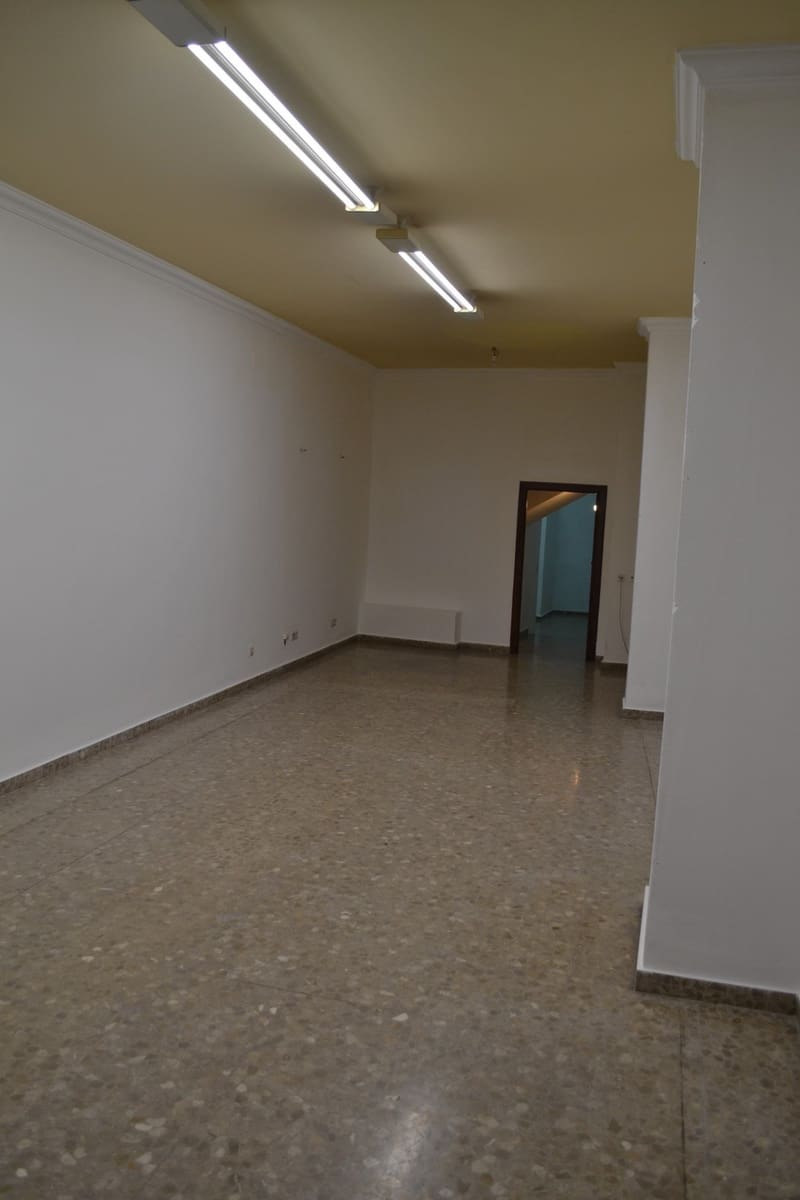 Bedrijf te huur in Antequera - € 700 (Ref: 4438415)
