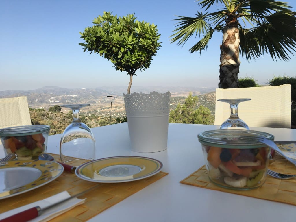 6 bedroom Villa for sale in Alcaucin with pool garage - € 795,000 (Ref: 4672119)