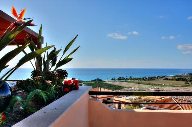 3 sovrum Takvåning till salu i Benajarafe med pool - 290 000 € (Ref: 5730902)