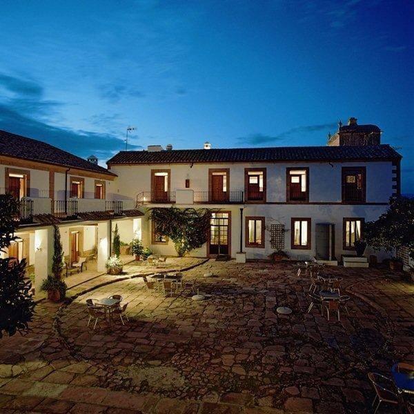 10 quarto Hotel para venda em Cordova cidade com piscina - 1 700 000 € (Ref: 6125745)