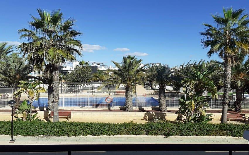 Apartamento de 2 habitaciones en Playa Flamenca en venta con piscina - 94.900 € (Ref: 5024258)
