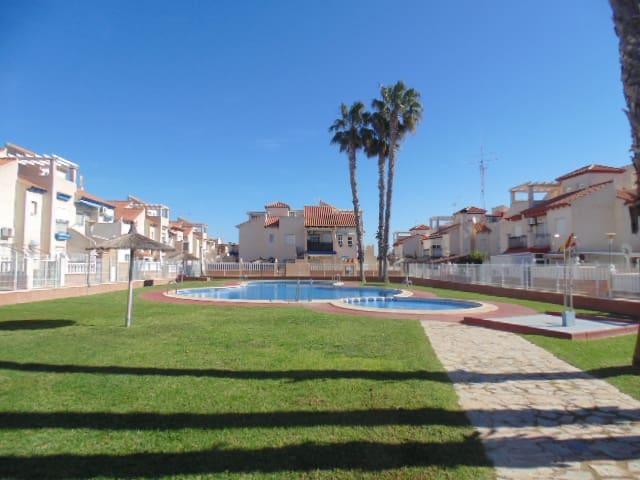 Apartamento de 2 habitaciones en Playa Flamenca en venta - 79.995 € (Ref: 5098309)