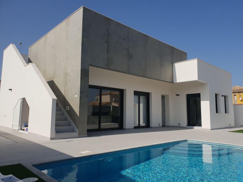 Chalet de 3 habitaciones en Pilar de la Horadada en venta con piscina - 245.990 € (Ref: 4912432)