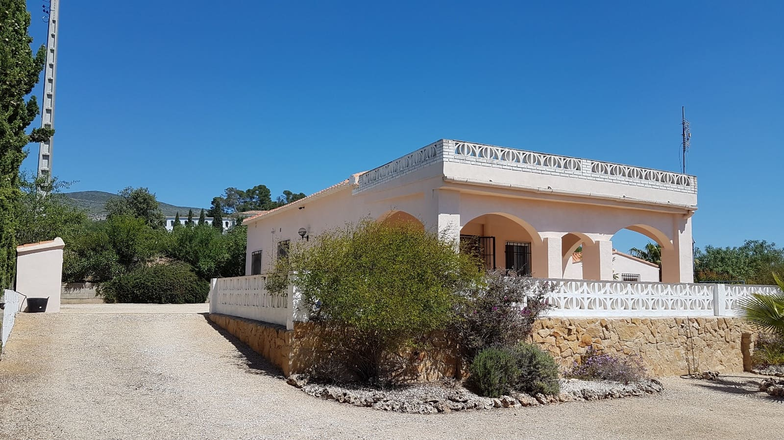 3 bedroom Villa for sale in Ontinyent - € 145,000 (Ref: 4214905)