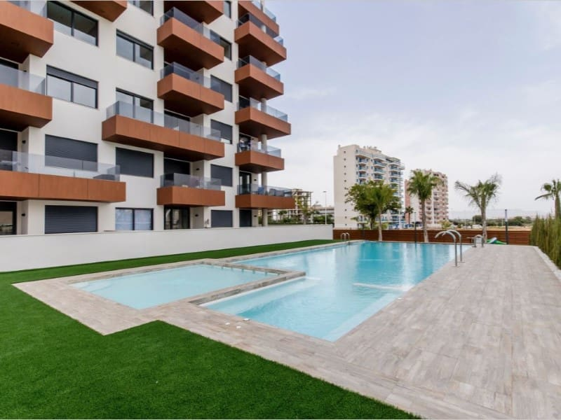 2 bedroom Apartment for sale in Guardamar del Segura - € 185,900 (Ref: 5091179)